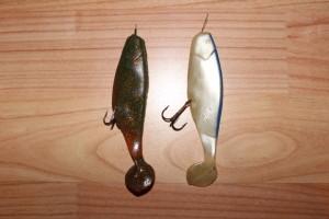 2 navlečené gumové rybky